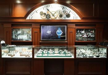 Tockr Launches in Chicago at Abt Electronics Time Boutique